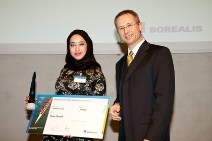 Rana Qudaih, winner of the master thesis award, and Alfred Stern, Borealis Senior Vice President Innovation & Technology