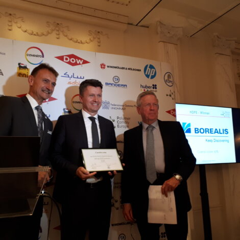 Photo: Vedran Kujundzic, Borealis Vice President Polyolefins Sales, receives the award for best European polymer producer in the categories HDPE and LDPE