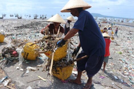 Foto: Project STOP Müllsammler in Muncar, Indonesia