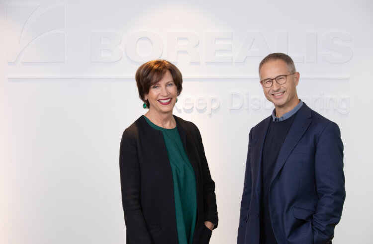 Photo: ZOOM Director Elisabeth Menasse-Wiesbauer and Borealis CEO Alfred Stern