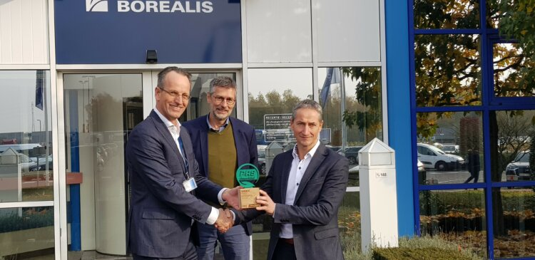 Photo: PRS, a supplier of wooden pallets for over 23 years, has awarded Borealis for its sustainability efforts in contributing to the pallet pool system