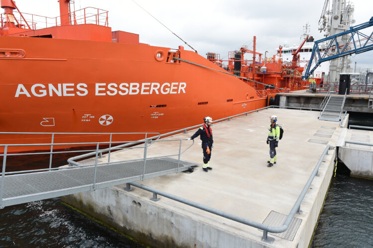 Photo: Borealis in Stenungsund, Sweden receives its first delivery of renewably-sourced feedstock for carrying out a processing test run at its steam cracker.